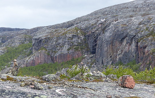 Norway's oldest rock at Jarfjord composed of gneiss is 2.9 billion years old