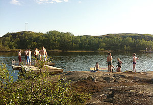 Swimming lake at Kirkenes Prestefjellet